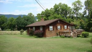 Riverfront Cabin in  Shenandoah River Forest subdvn w/extra lot